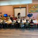 Przedszkolne spotkanie przy wigilijnym stole_1